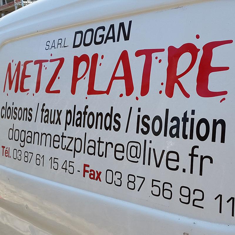 Bwise-Metz-voiture-Dogan-Metz-Platre